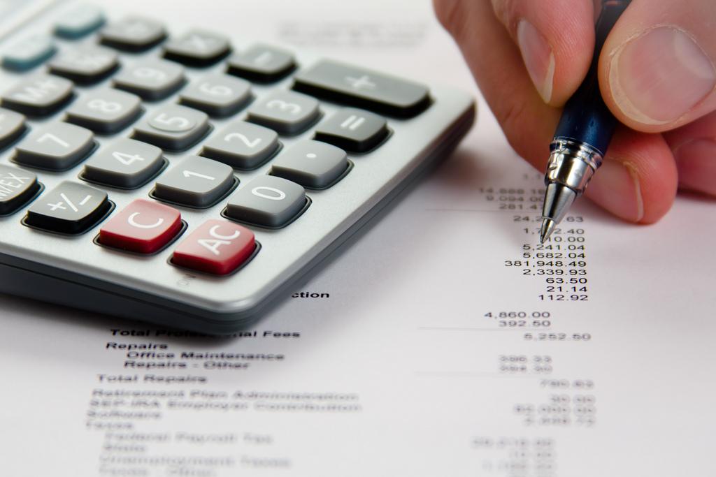 Jak w łatwy sposób analizować sprawozdania finansowe spółek giełdowych